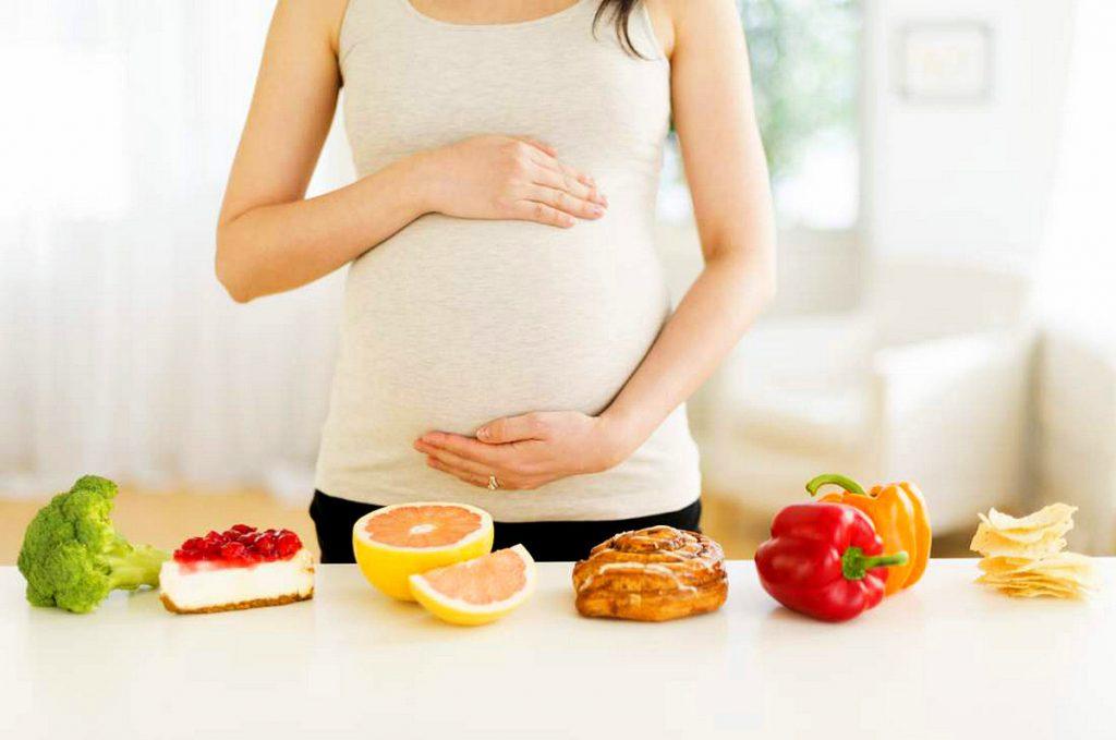 Mẹ bầu nên ăn gì vào ngày Tết để đảm bảo sức khỏe?