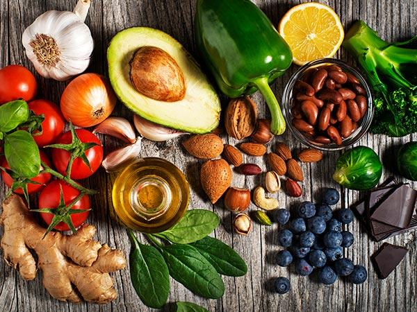 Dinh dưỡng cân bằng và hợp lý sẽ giúp cơ thể có hệ miễn dịch khỏe mạnh, đẩy lùi được các loại bệnh tật.