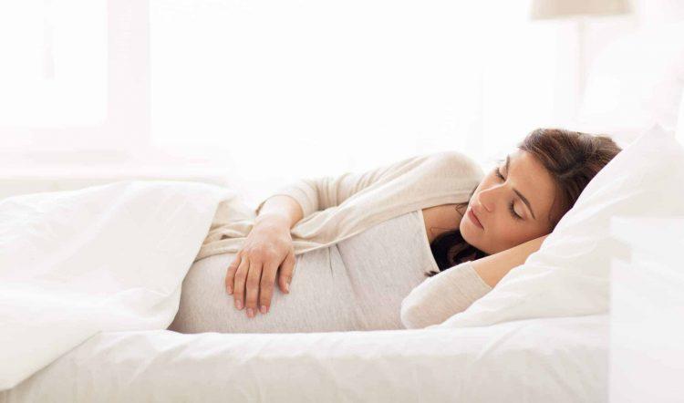 Thiếu ngủ là nguyên nhân gây thâm quầng thâm dưới mắt phổ biến ở nhiều người.