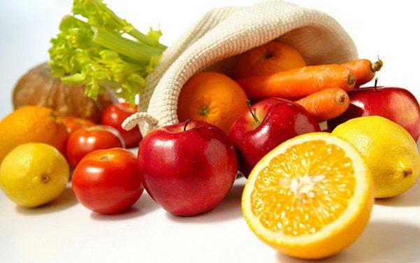 Bệnh nhân hóa trị nên tăng cường vitamin C từ trái cây và rau quả.