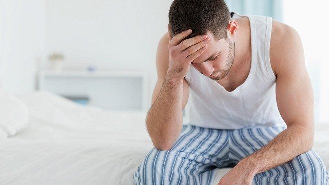 Vô sinh ở nam giới khiến cuộc sống vợ chồng trở nên khó khăn.