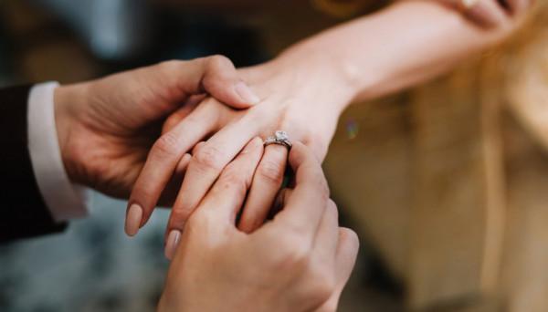 Xét nghiệm gen tiền hôn nhân được khuyến cáo thực hiện trong khoảng 12 tháng trước kết hôn